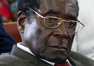 Il presidente Robert Mugabe (AFP Photo/Alexander Joe)