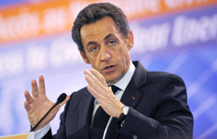 Nicolas Sarkozy, interviene alla Conferenza sul nucleare civile (Afp Photo/Reuters/Wojazer)