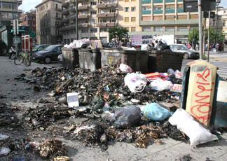 cassonetti bruciati Palermo