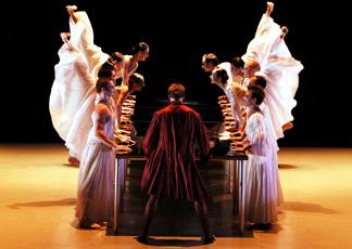 "scena da ""Don Juan"" (foto Julien Palus)"