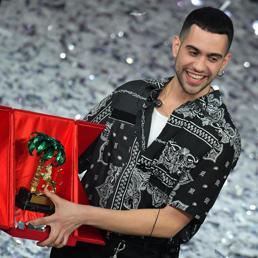 Sanremo, vince Mahmood davanti a Ultimo e il Volo  ma è festival della noia
