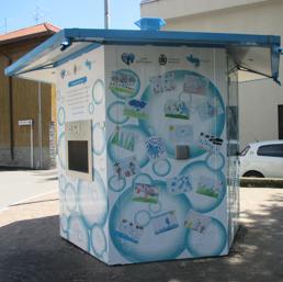 A Barlassina casetta dell'acqua personalizzata con i disegni dei bimbi