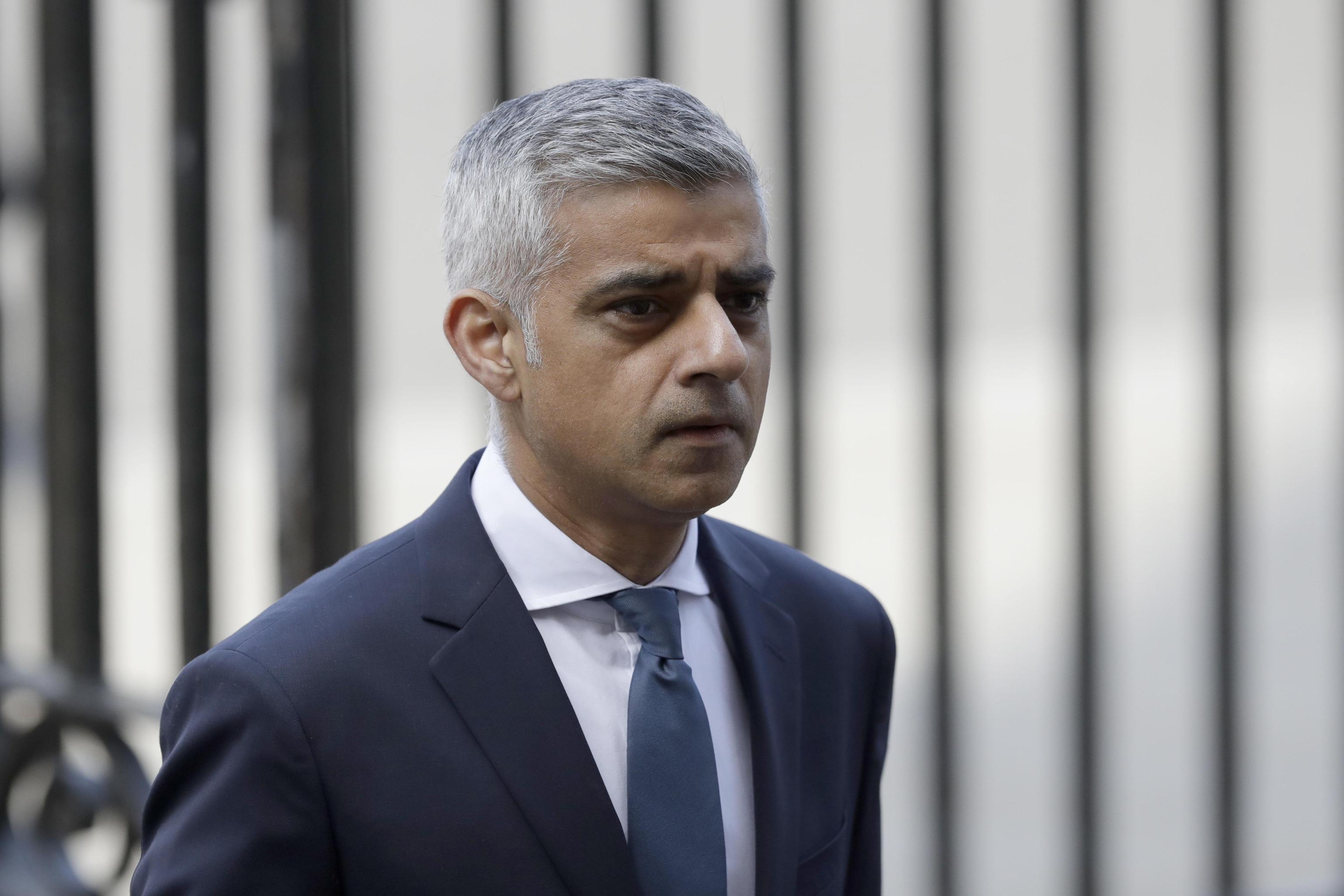 Gb, l'Isis rivendica l'attentato di sabato sera a Londra