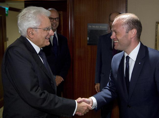 Il presidente della Repubblica Sergio Mattarella con il primo ministro maltese Joseph Muscat