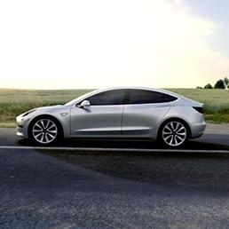 Tesla Model 3, produzione  a un decimo dell'effettiva capacità