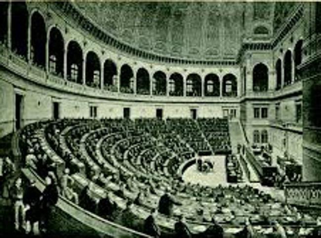 Montecitorio cent 39 anni d 39 italia in un 39 aula il sole 24 ore for Aula di montecitorio