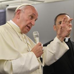 Papa pronto a mediazione del Vaticano per Venezuela, «ma lo devono chiedere le due parti»