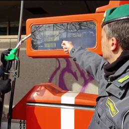 Truffe benzinai: ecco il telecomando che tarocca il contatore