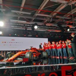 F1: ecco la Ferrari SF90, un omaggio ai 90 anni della Rossa