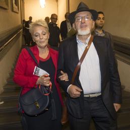 Fatture false, genitori di Renzi ai domiciliari. L'ex premier: fiducia nella giustizia ma non mollo