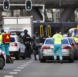 Utrecht, sparatoria su tram: tre morti e cinque feriti. «Possibile terrorismo»