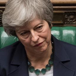 Rinvio Brexit, scontro tra ministri. Theresa May:è crisi politica