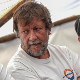 Chi è Luca Casarini, dal G8 di Genova ad armatore delle navi Ong