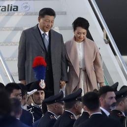 Mrs Peng, chi è la first lady cinese ex soprano e generale maggiore