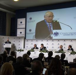 Confcommercio: rischio aumento Iva, un macigno da 52 miliardi per l'Italia
