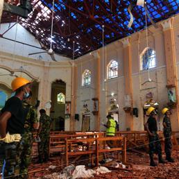 Sri Lanka: 24 arresti per l'attentato di Pasqua. Almeno 290 le vittime