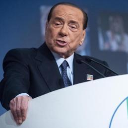 Berlusconi operato per occlusione intestinale: adesso sta bene
