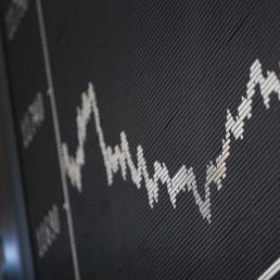 Settimana turbolenta per le Borse europee. A Milano si salva la Juve