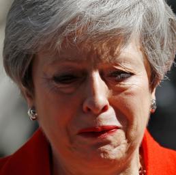 Brexit, May annuncia le  dimissioni: «Ho servito il Paese che amo»