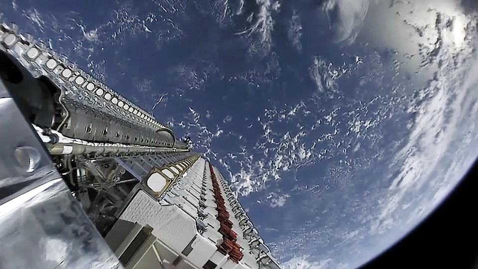 Come seguire il lancio dei primi 60 satelliti Starlink di SpaceX