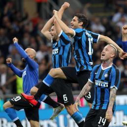 Inter, finale di pazzia e felicità.  Milan, saltano tutti tranne Gattuso