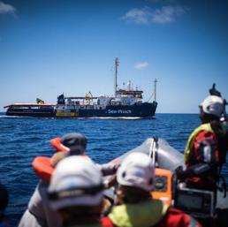 Riace e Lampedusa, Salvini fa il pieno negli avamposti dell'accoglienza migranti