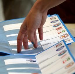 Ballottaggi, l'elettore del M5S si riavvicina al centro-sinistra