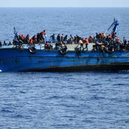 Migranti, Salvini firma il divieto di ingresso alla Sea Watch 3