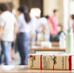 Ungaretti, Sciascia, Dalla Chiesa, Stajano: ecco una scuola che vive  nel tempo presente