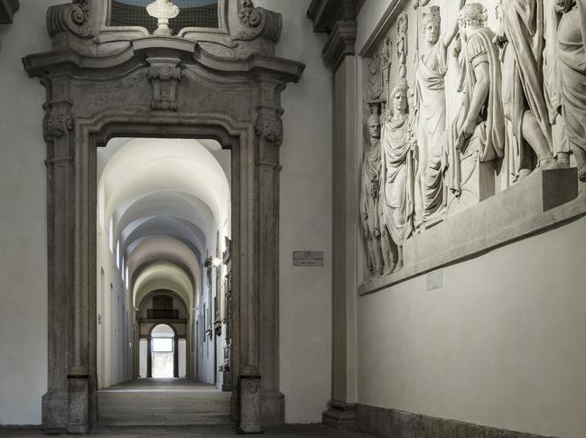 Bottega veneta celebra i 50 anni con una sfilata all for Accademia di brera