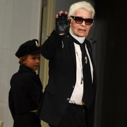 Addio a  Karl Lagerfeld, il «Kaiser» della moda