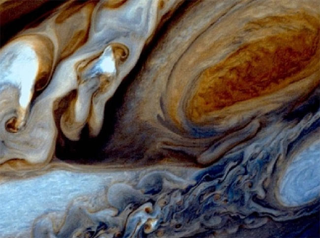 La sonda Juno si sta avvicinando al pianeta Giove