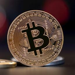 Goldman Sachs getta la spugna sulle criptovalute: bitcoin in caduta
