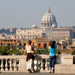Tassa di soggiorno a Roma, protestano turisti e albergatori. Ma la ...